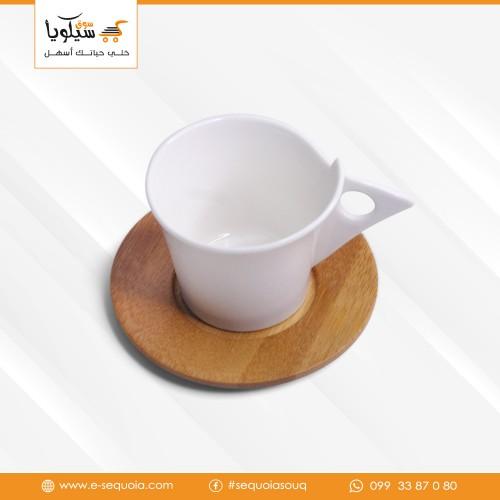 طقم فنجان قهوة مع صحن خشب