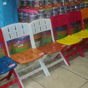 كرسي طفل طوي بلاستيك وينر